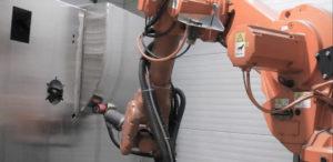 Industrieroboteranwendung - Schleifroboter