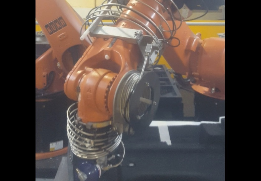 watejet cutting with KUKA robots offline programmed and simulated with AUTOMAPPPPS robot programmign software